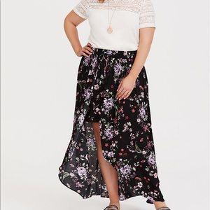 Torrid Floral Gauze Overskirt Short Black Sz 2